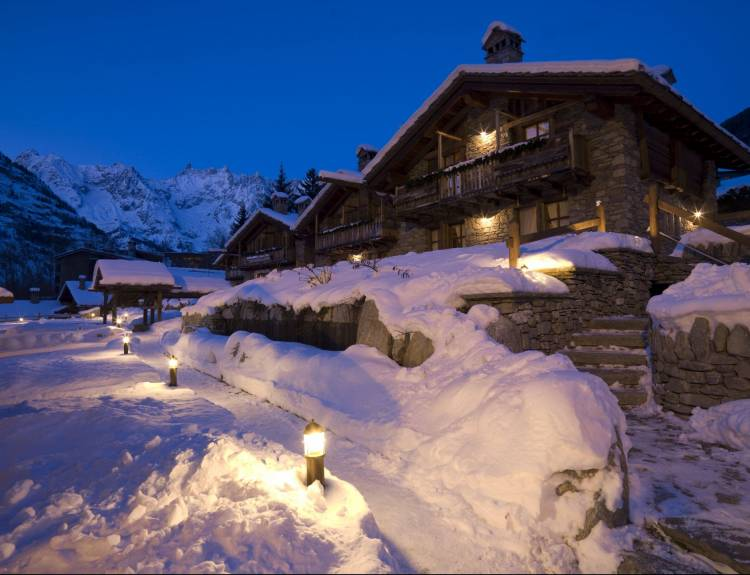 Au Coeur Des Neiges Chalet Resort 2