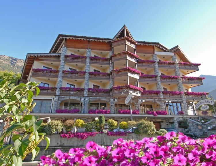 Hotel Foyer Des Guides Ollomont : Relais du foyer hotel
